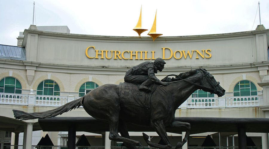 Churchill Downs batiment avec statue de cheval